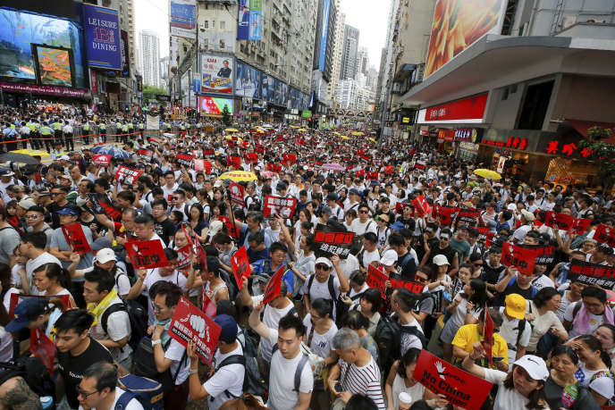 Les organisateurs de cette marche protestent contre un projet de loi d'extradition et espèrent plus de 500 000 participants.