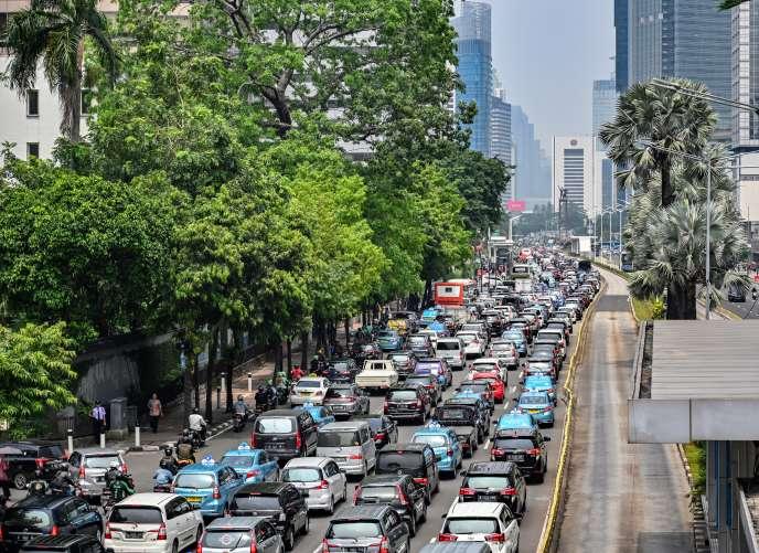 Les rues embouteillées de Djakarta, capitale de l'Indonésie, le 10 mai.