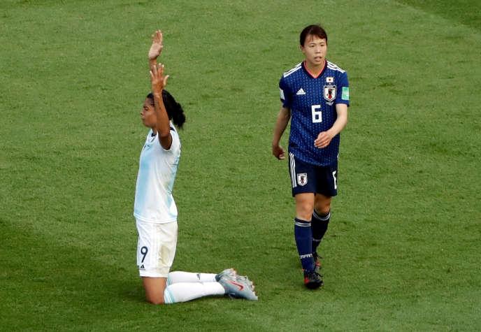 La joie de la joueuse argentine Sole Jaimes après le match nul deson pays face au Japon.