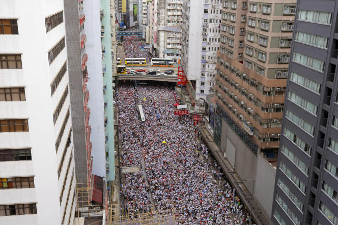 Les organisateurs de la manifestation affirment que plus d'un millions de personnes se sont mobilisées, à Hongkong, le 9 juin.