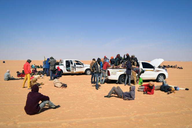 Un groupe de migrants dans le nord du Niger, en route pour la Libye, en janvier 2019.