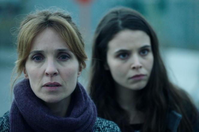 Alix Poisson (Claire Lansel) et Marilou Aussilloux (Chloé Forrest) dans «Jeux d'influence», de Jean-Xavier de Lestrade.