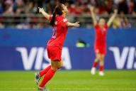 Lors du premier match de la phase de poule, contre la Thaïlande, l'Américaine Alex Morgan a inscrit 5 buts.