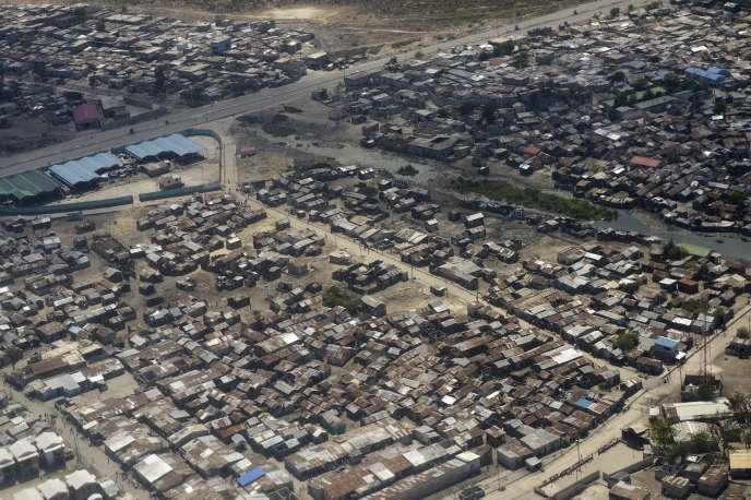 « En ce sens, la corruption à grande échelle en Haïti n'est que la contrepartie de la «sagesse» des puissances internationales.» Photo : Port-au-Prince, quartier Cité soleil, Haïti.