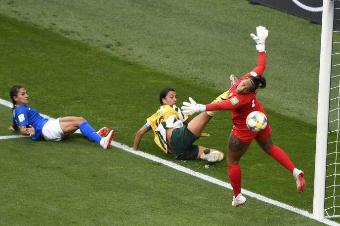 Barbara, la gardienne auriverde lors de Brésil-Australie, le 13 juin à Montpellier.