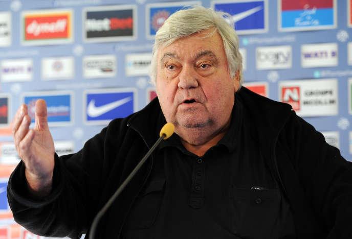 L'ancien président du Montpellier Hérault Sport Club (MHSC), Louis Nicollin (décédé en 2017), lors d'une conférence de presse en 2013, à Montpellier.