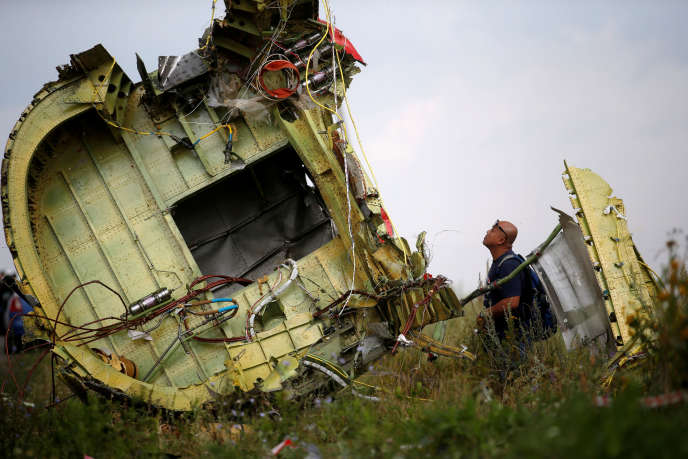 De débris de la aviation de la Malaysia Airlines en Ukraine, juillet 2014.
