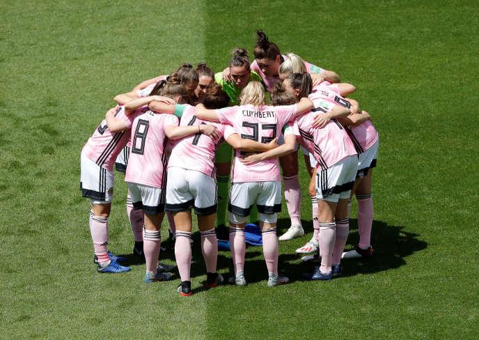 Les joueuses de l'équipe écossaise lors du match face au Japon (2-1) à Rennes, le14juin.