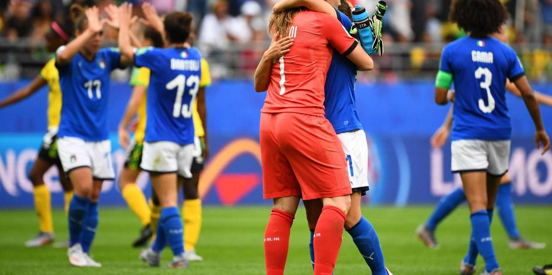 Euro Foot Feminin 2019 Calendrier.Coupe Du Monde Feminine 2019 Le Bresil Bat L Italie Et