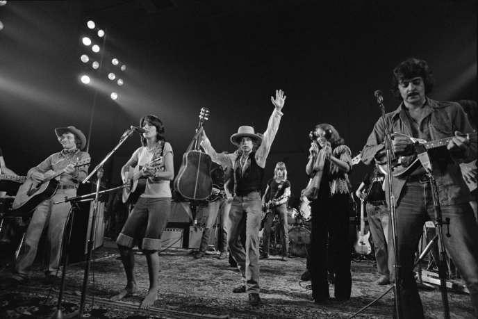 Au centre, Joan Baez et Bob Dylan, en 1975.