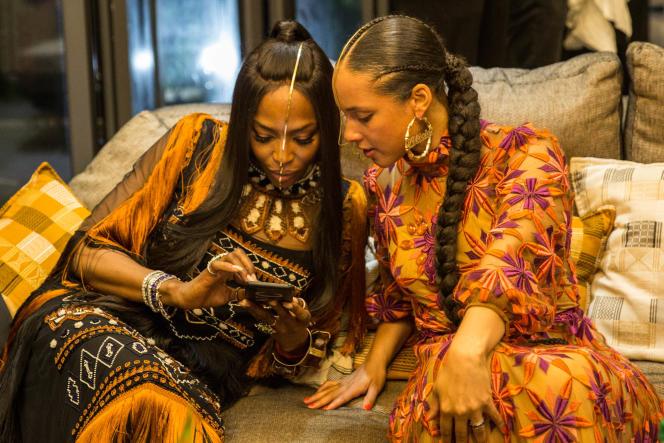 Le mannequin Naomi Campbell et la chanteuse Alicia Keys durant la soirée de lancement de la résidence d'artistes Black Rock à Dakar, le 26 mai 2019.