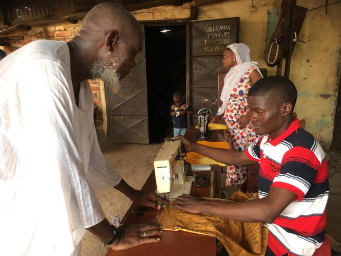 Juin 2019. L'imamMamadou Camara, tailleur de son métier, se réjouit lui aussi d'un sentiment de sécurité retrouvée au PK5, quartier emblématique de Bangui, la capitale centrafricaine.
