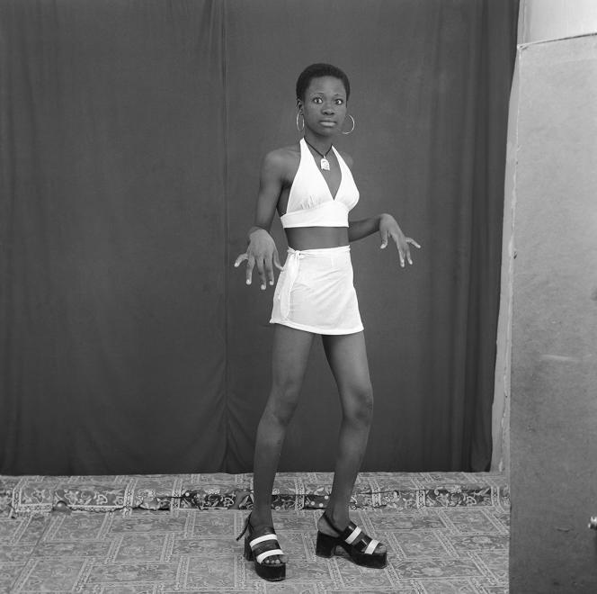 «En position», de Malick Sidibé, 1974, Bamako, Mali.