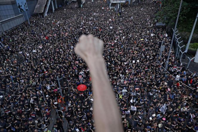 Manifestation dans les rues de Hongkong, dimanche 16 juin.