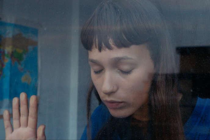 Alice Albergaria Borges interprète Marta, une lycéenne de 17 ans.