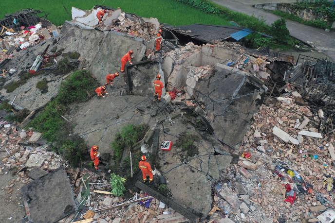 Après le séisme qui a frappé le Sichuan, le 18 juin.