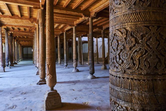 Les 218 colonnes de la mosquée Juma, à Khiva.
