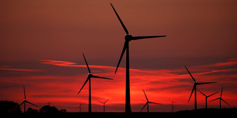 Elisabeth Borne dénonce « le développement anarchique » des éoliennes