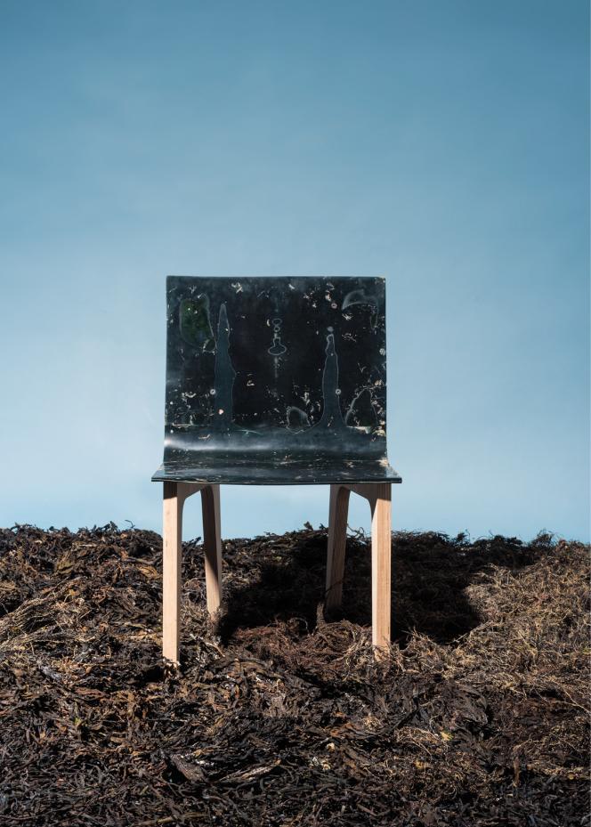 Une chaise conçue à partir d'algues par le designer Samuel Tomatis.