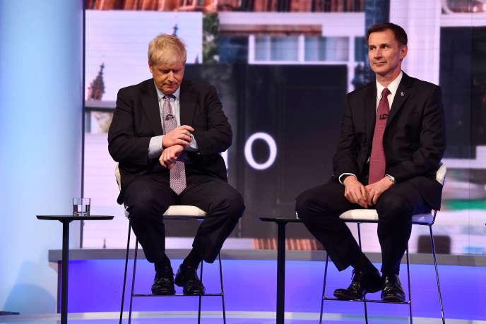 Boris Johnson et Jeremy Hunt, le 18 juin, sur le plateau de la BBC.