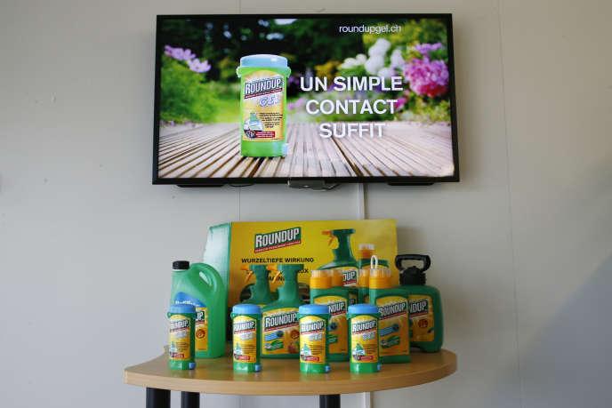 Les désherbants Monsanto présentés au siège de la compagnie à Morges, en Suisse, le 25 mai 2016.