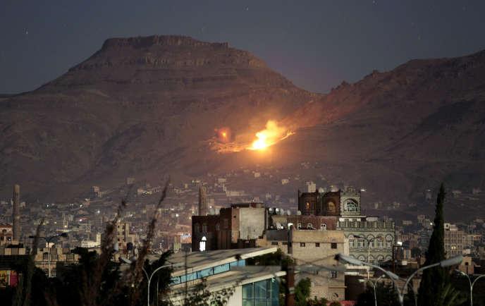 Bombardement de l'Arabie saoudite sur Sanaa, au Yémen, en octobre 2014.