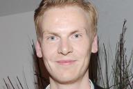 Le journaliste Claas Relotius, alors qu'il reçoit le prix de « journaliste de l'année 2014» par CNN, à Munich (Allemagne), le 27 mars 2014.