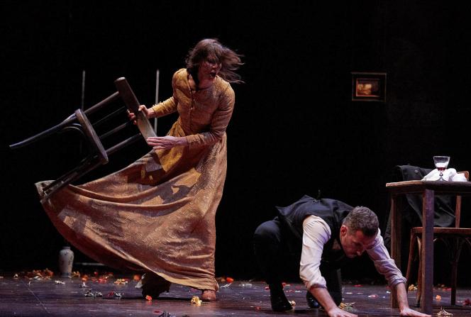 Anna Mouglalis et Xavier Legrand « Mademoiselle Julie », de Strindberg, mise en scène par Julie Brochen.