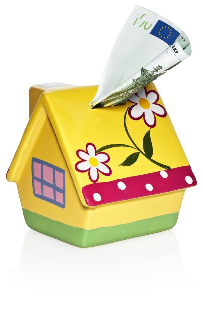 Taxe foncière, assurances, entretien du jardin, de la piscine, abonnement Internet... Le coût sur le long terme d'un investissement dans une résidence secondaire n'est pas à négliger.