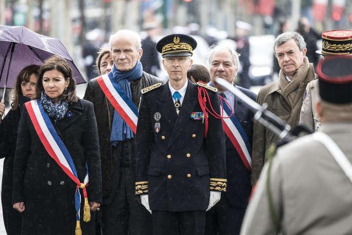 Anne Hidalgo et Didier Lallement lors de la cérémonie du 74e anniversaire de la victoire du 8 mai 1945, à Paris, le 8 mai.