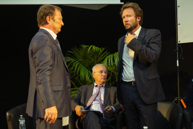 De gauche à droite, Stéphane Peu (PCF), Gilles Carrez (LR) et Boris Vallaud (PS), le 19 juin à Saint-Denis.