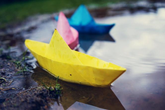 Question bonus : sachant que le bateau bleu est le plus long et que le mousse du bateau jaune s'appelle Jeff, calculez l'âge du capitaine.