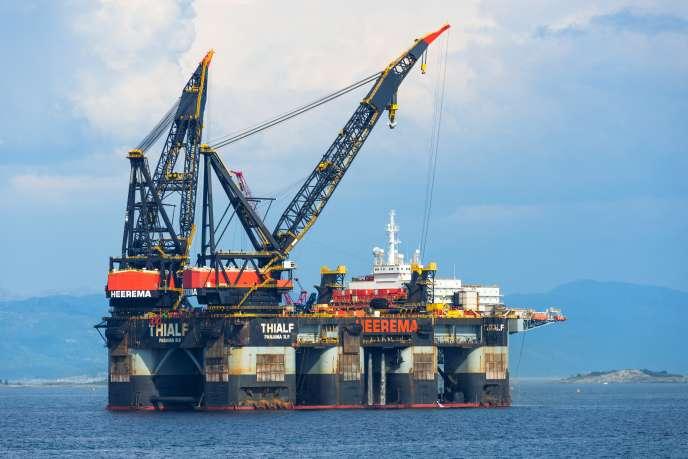 «La production de pétrole de l'Asie décline depuis 2015, tandis que sa consommation continue à croître fortement.» Photo : Navire de construction offshore près de Stavanger en Norvège.