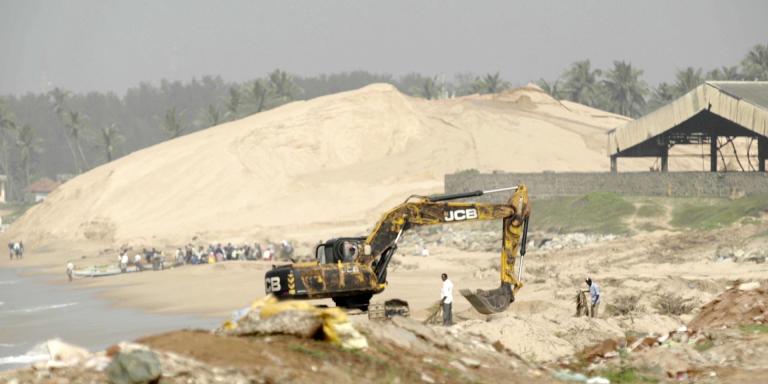 Sand Mined at IREL (indian public company) in Manavalakurichi, Tamil Nadu.