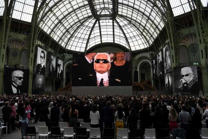 Un film a été diffusé lors de la soirée d'hommage à Karl Lagerfeld au Grand Palais.
