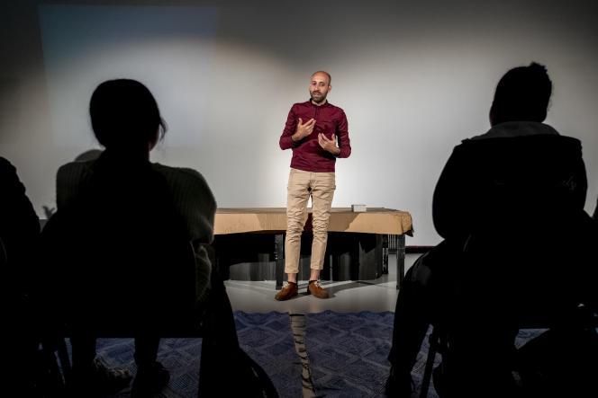 «Ne laisse personne te voler les mots», de Selman Reda en collaboration avec Rachid Benzine et mis en scène par Michel André du Théâtre la Cité.