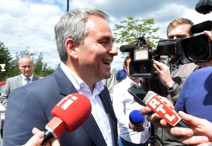 Xavier Bertrand,président des Hauts-de-France, était présent à l'inauguration des bus. Ici, à Valenciennes, le 21 juin 2019.