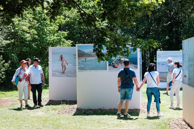 «Tourisme climatique», une exposition de Marco Zorzanello, au Festival photo de La Gacilly, en juin 2019.