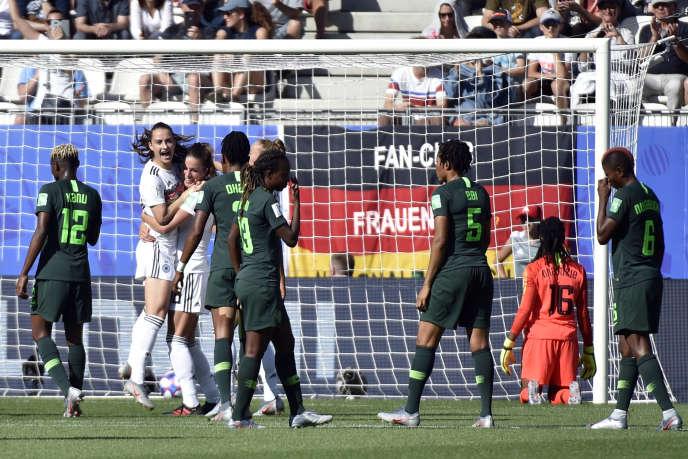 Les Allemandes se qualifient pour les quarts de finale de la Coupe du monde après leur victoire, samedi 22 juin, contre le Nigeria.