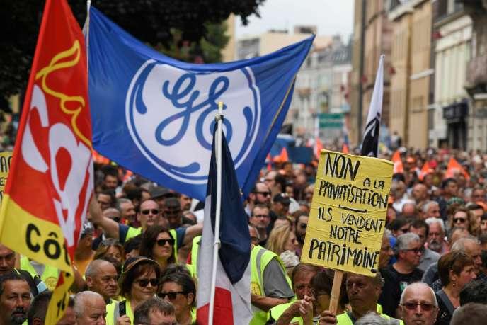 Manifestation des employés de General Electric à Belfort, le 22 juin.