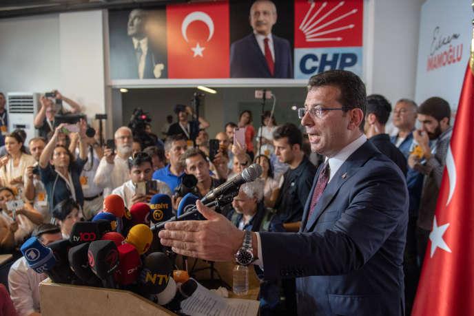 Ekrem Imamoglu, annonçant sa victoire, le 23 juin à Istanbul.
