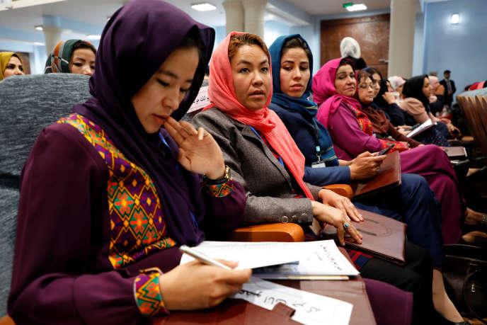 Lors d'une assemblée consultative de femmes, à Kaboul, le 29 avril.