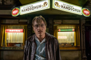 Jonas Dassler incarne Fritz Honka, un tueur en série, dans «Golden Glove», deFatih Akin.