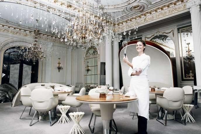 Jessica Préalpato, chef pâtissière du Plaza Athénée, le 16 novembre 2018, à Paris.