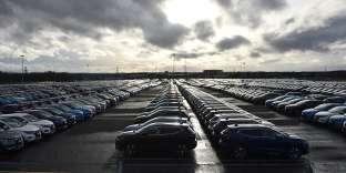Voitures garées dans un parking de l'usine Nissan de Sunderland, dans le nord-est de l'Angleterre, le 16 mars.