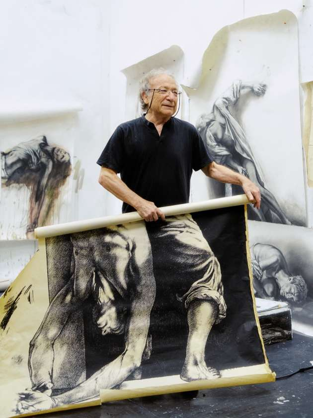 Ernest Pignon-Ernest dans son atelier à Ivry-sur-Seine, le 13 juin.