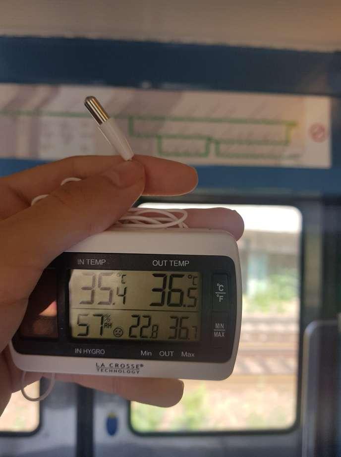 Prise de température dans le RER D