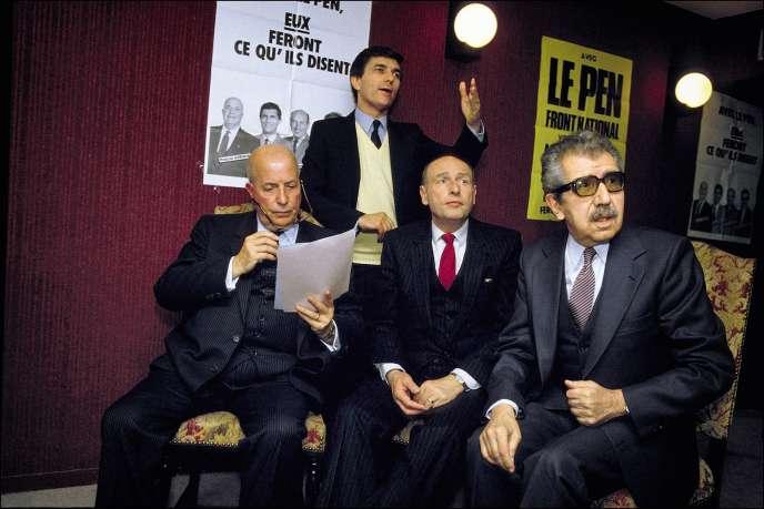 A droite, en 1986, l'ancien député FN Gabriel Domenech, auteur d'une tribune raciste et mort en 1990.