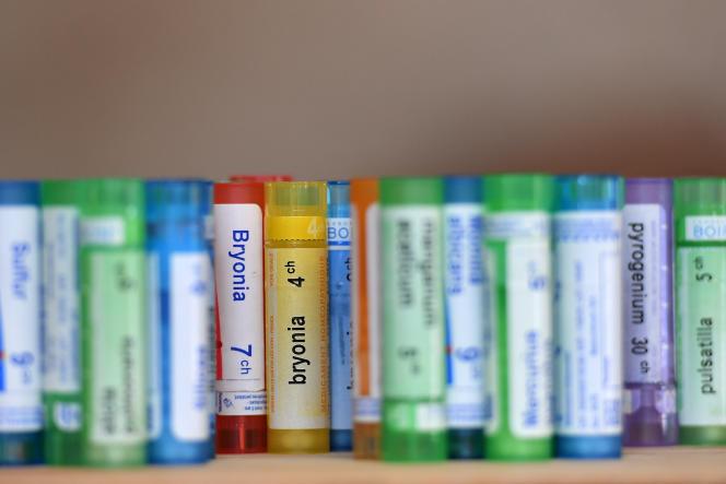 En 2018, le remboursement de l'homéopathie a représenté 126,8 millions d'euros surenviron 20milliards pour l'ensemble des traitements.