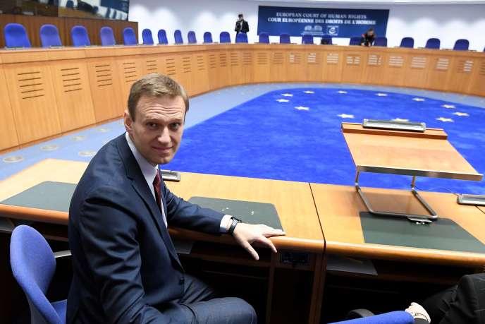 L'opposant russe Alexeï Navalny, avant une audience à la Cour européenne des droits de l'homme, le 15 novembre 2018 à Strasbourg.